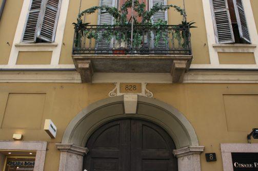 828 via Sant'Andrea 8