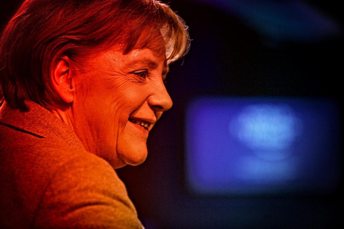 https://i2.wp.com/thesubmarine.it/wp-content/uploads/2016/12/1280px-Angela_Merkel_-_Profil_World_Economic_Forum_Annual_Meeting_2011.jpg?fit=1200%2C800&ssl=1