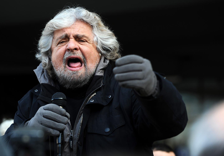 Beppe Grillo vuole abolire la mediazione sindacale. <br />È un'idea fascistoide