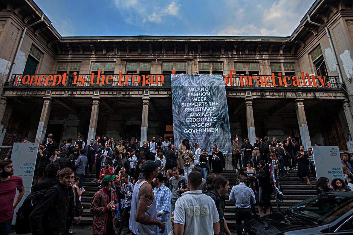 Macao ci costringe a domandarci cosa significhi essere pubblici oggi a Milano