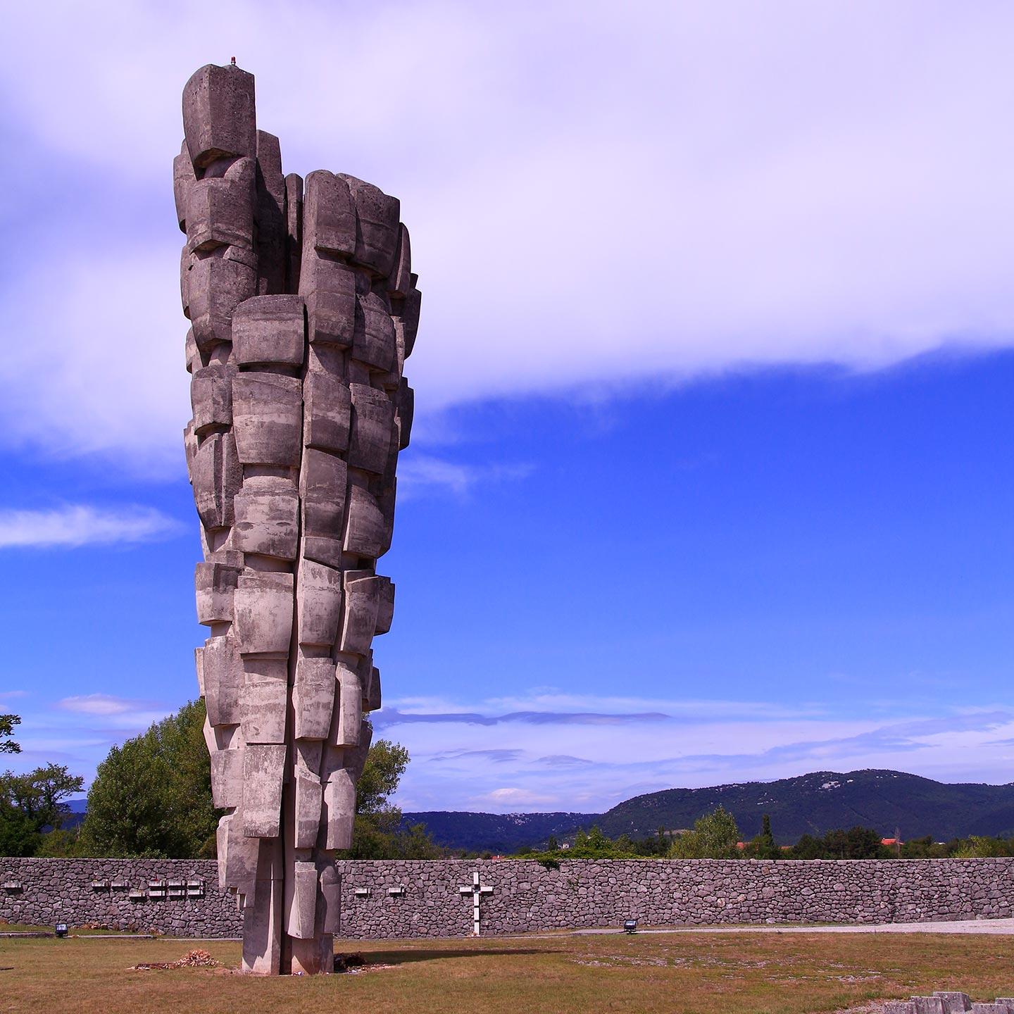 In ex Jugoslavia sulle tracce degli Spomenik, i monumenti alla resistenza voluti da Tito