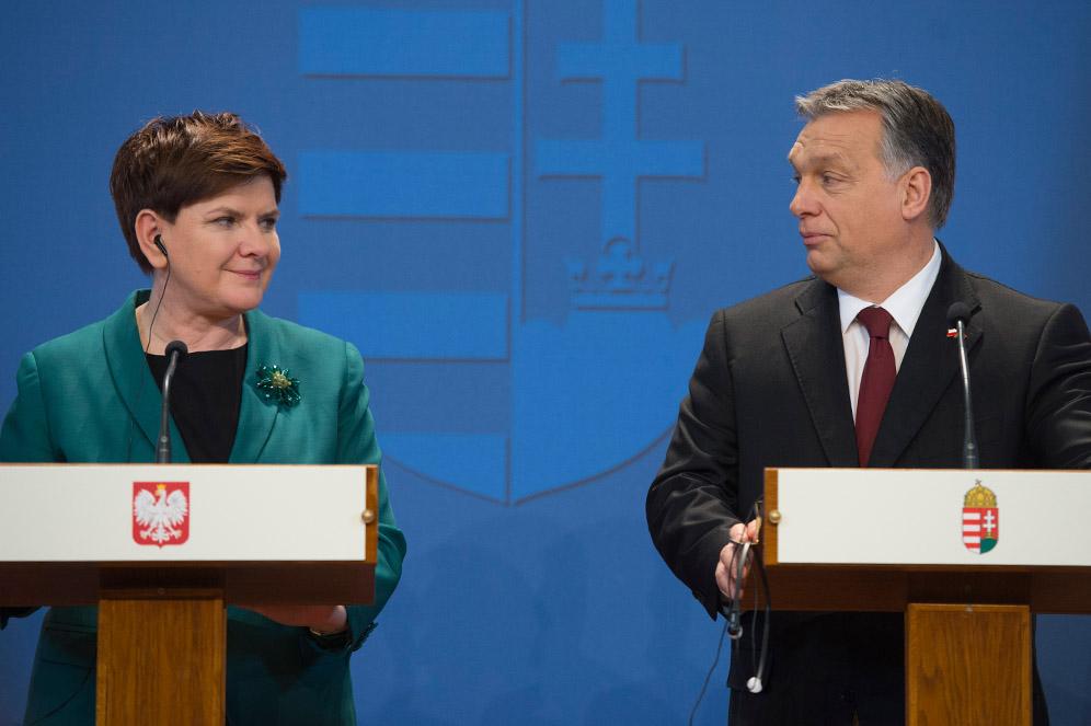 La prima ministra polacca Beata Szydło con Viktor Orban / Wikimedia Commons