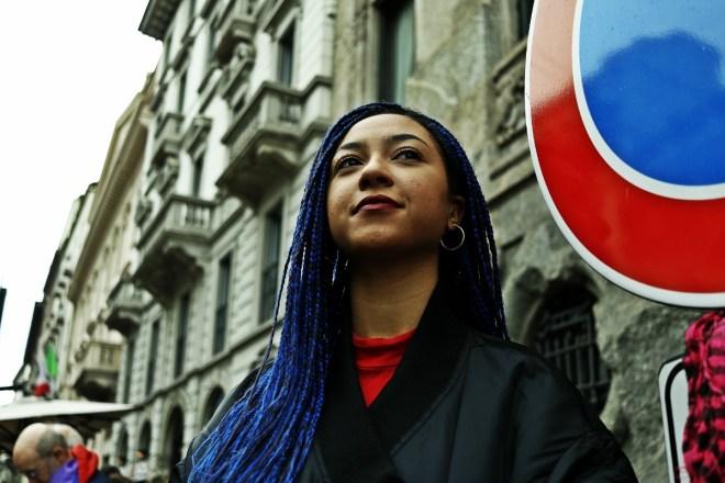 """""""Prima le persone,"""" 200 mila in piazza a Milano contro le politiche razziste del governo"""