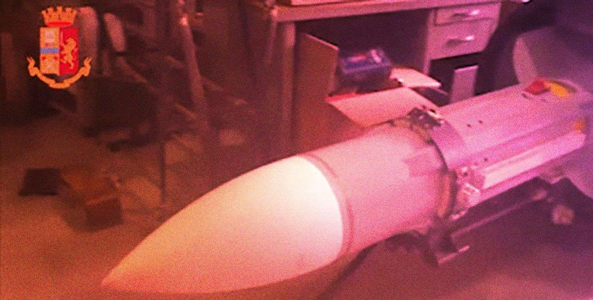 https://i2.wp.com/thesubmarine.it/wp-content/uploads/2019/07/missile-sequestrato-lol.jpg?fit=1200%2C608&ssl=1