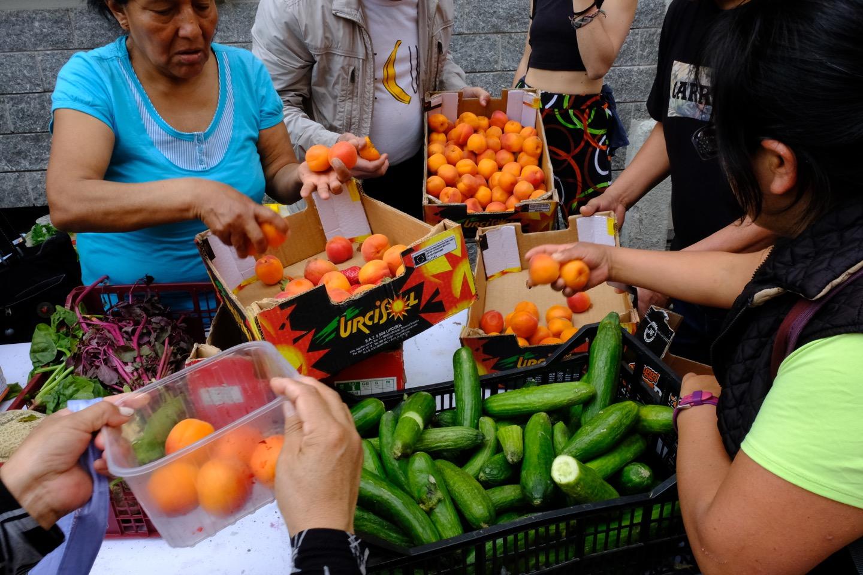Combattere lo spreco alimentare, un mercato rionale alla volta