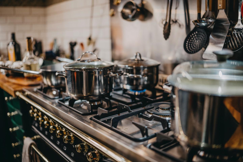 Cucina al risparmio: come evitare gli sprechi di gas (e aiutare anche l'ambiente)