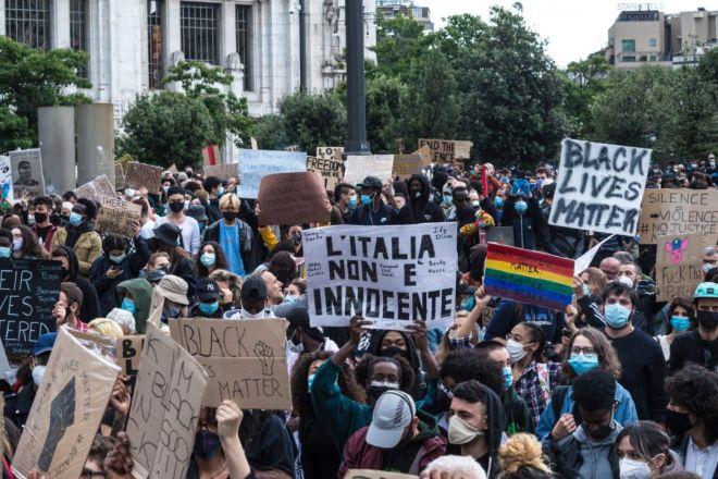La marea di Black Lives Matter a Milano