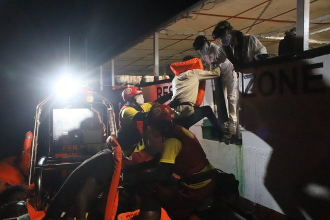 Un bambino di sei mesi è morto nel Mediterraneo. La responsabilità è dei governi europei