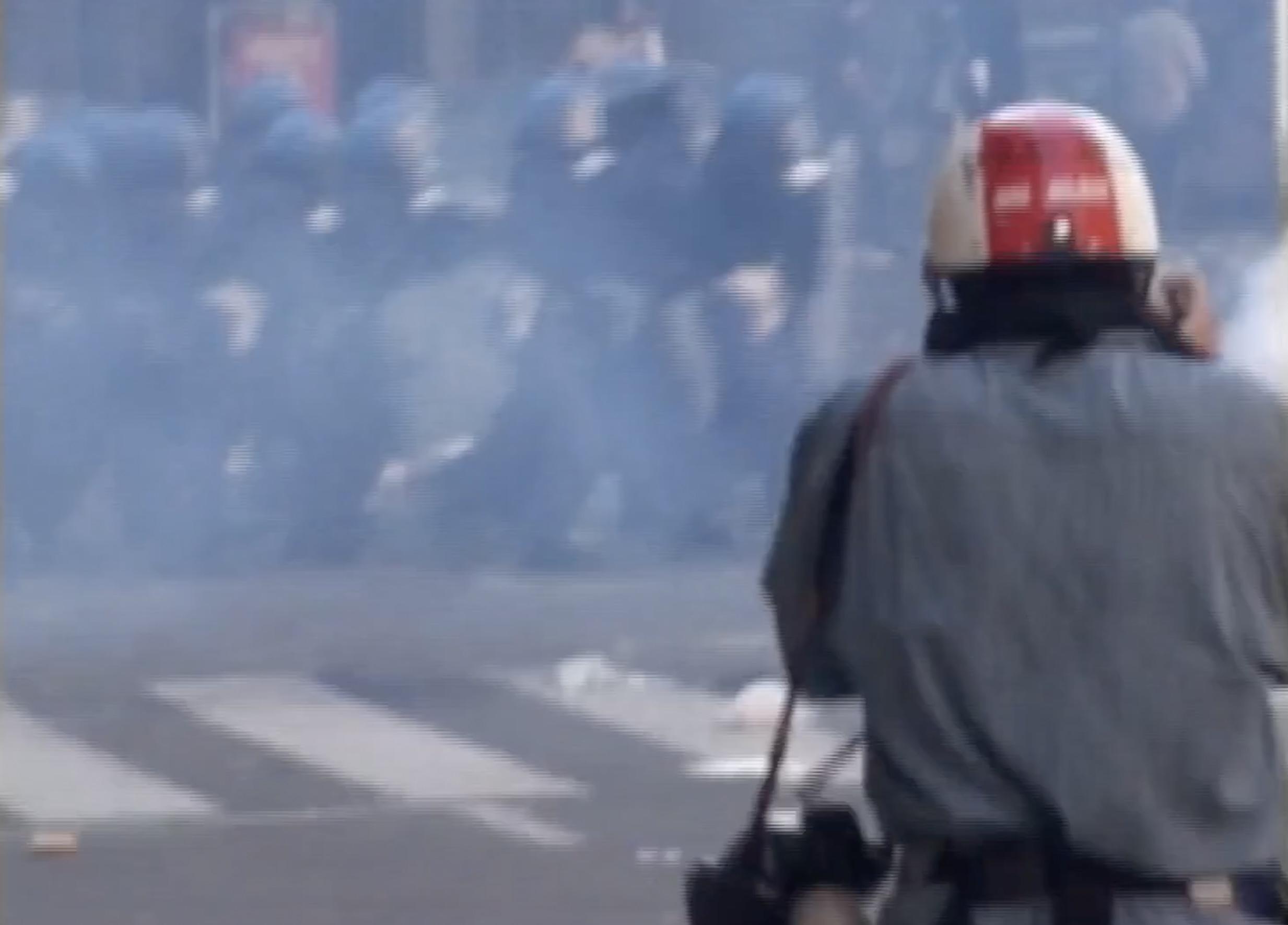 Il 20 luglio 2001 a Genova nelle riprese d'archivio di Indymedia
