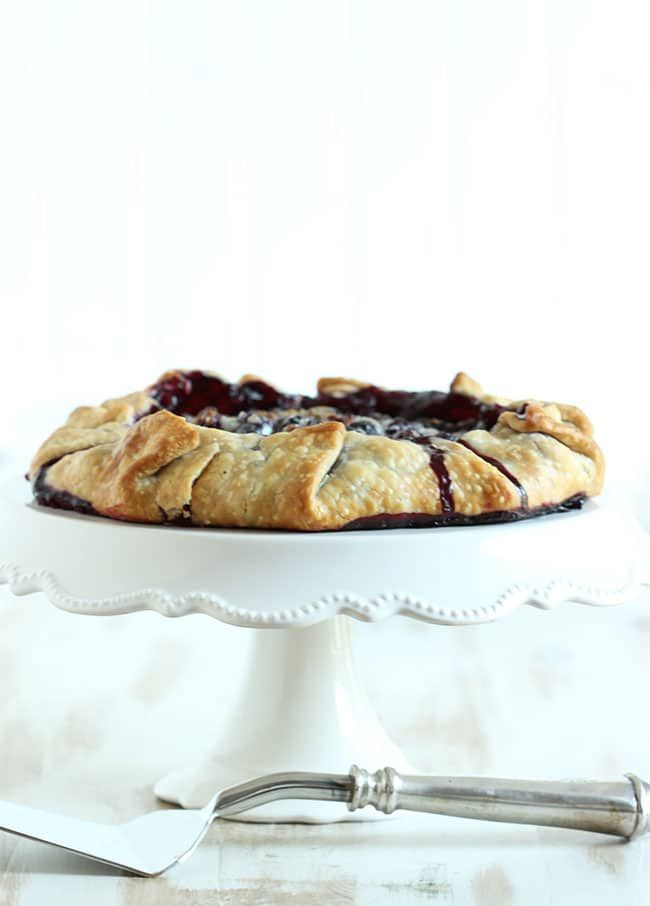 Simple Blueberry Crostata | The Suburban Soapbox #blueberrycrostata