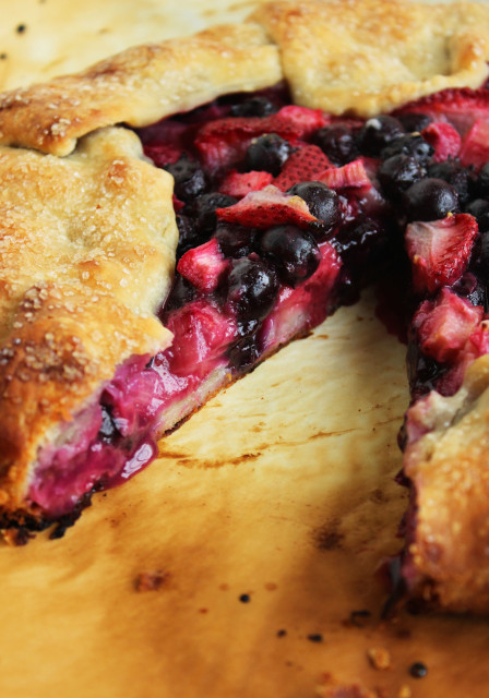 Berry Rhubarb Crostata with Vanilla Bean Whipped Cream | The Suburban Soapbox