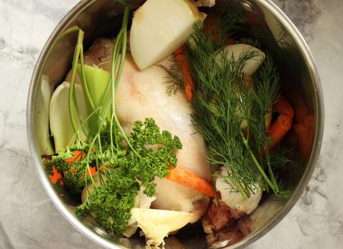 Easy Homemade Chicken Stock | The Suburban Soapbox