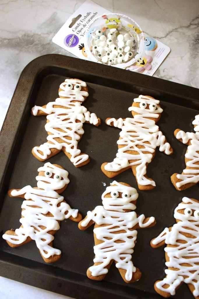 Gingerbread Mummies | The Suburban Soapbox