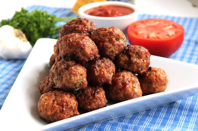 The Best Meatballs and Stove Top Marinara EVER | The Suburban Soapbox