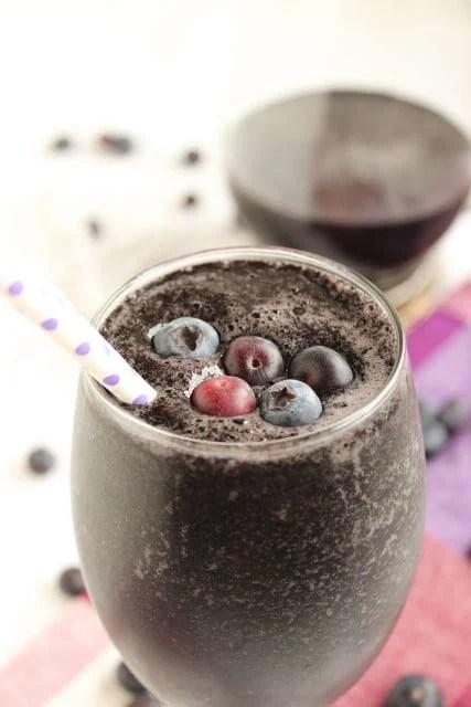 Blueberry Power Smoothie | The Suburban Soapbox #healthy #smoothie