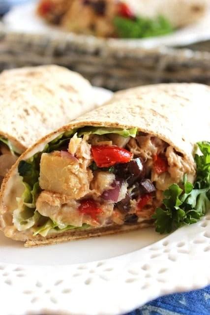 Mediterranean Tuna Wrap | The Suburban Soapbox #notsaddesklunch #healthylunch