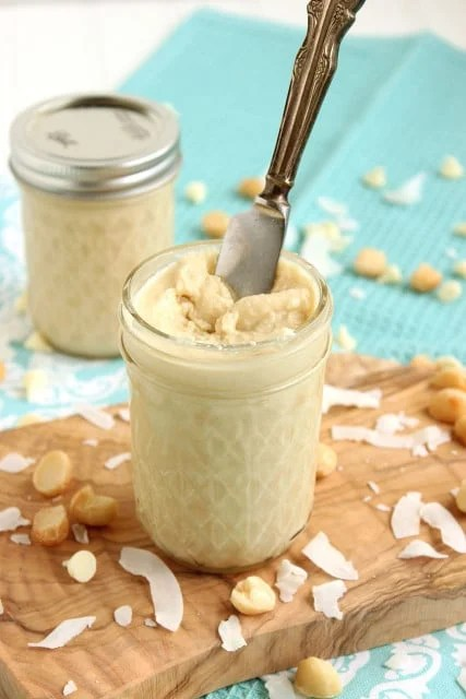 White Chocolate Macadamia Coconut Butter | The Suburban Soapbox #coconutbutter #nutbutter