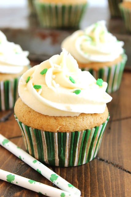 Nutty Irishman Cupcakes with Bailey's Buttercream Frosting | The Suburban Soapbox #nuttyirishman #baking #cupcakes