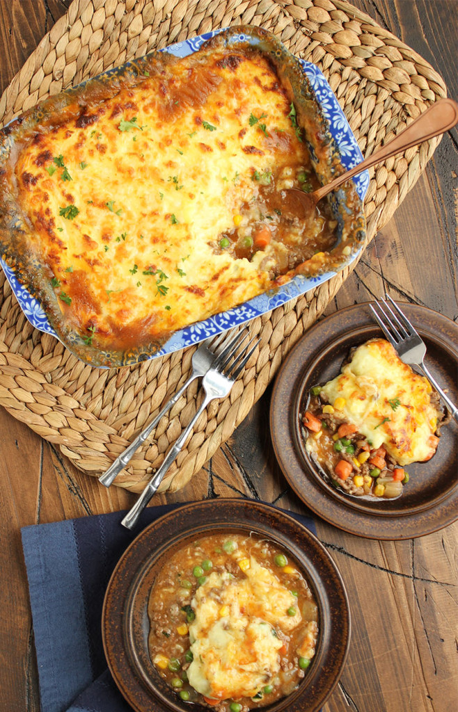 Shepherd's Pie with Alehouse Cheddar Mashed Potatoes | The Suburban Soapbox #shepherdspie #casserole #onepotmeal