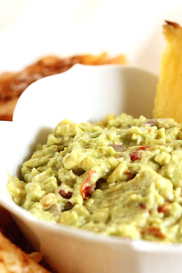 Spicy Pineapple Guacamole | The Suburban Soapbox