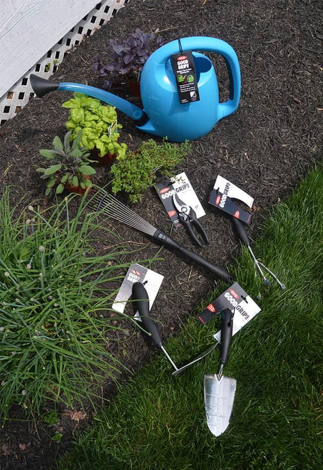 Herb Gardening Tips for Beginners | The Suburban Soapbox #herbgardening #OXOSpringGardening