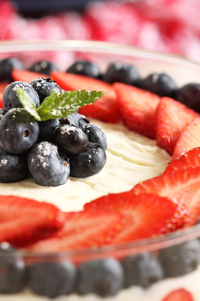 Berry Tiramisu 8Red White and Blue Berry Tiramisu | The Suburban Soapbox #berrytiramisu #nobakedessert