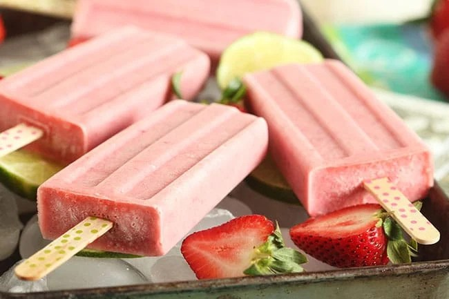 Strawberry Coconut Margarita Popsicles | The Suburban Soapbox #margarita #popsicle