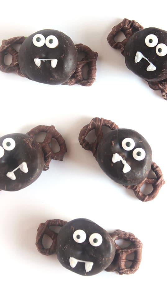 Chocolate Donut Bats | The Suburban Soapbox