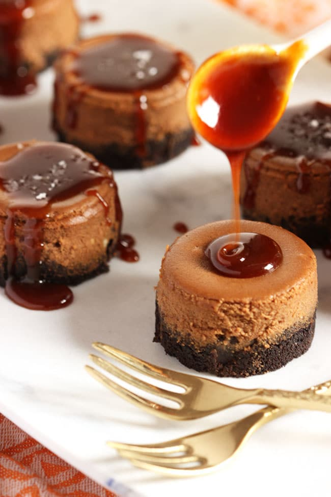 Salted Caramel Mocha Cheesecakes | The Suburban Soapbox #FoundMyDelight