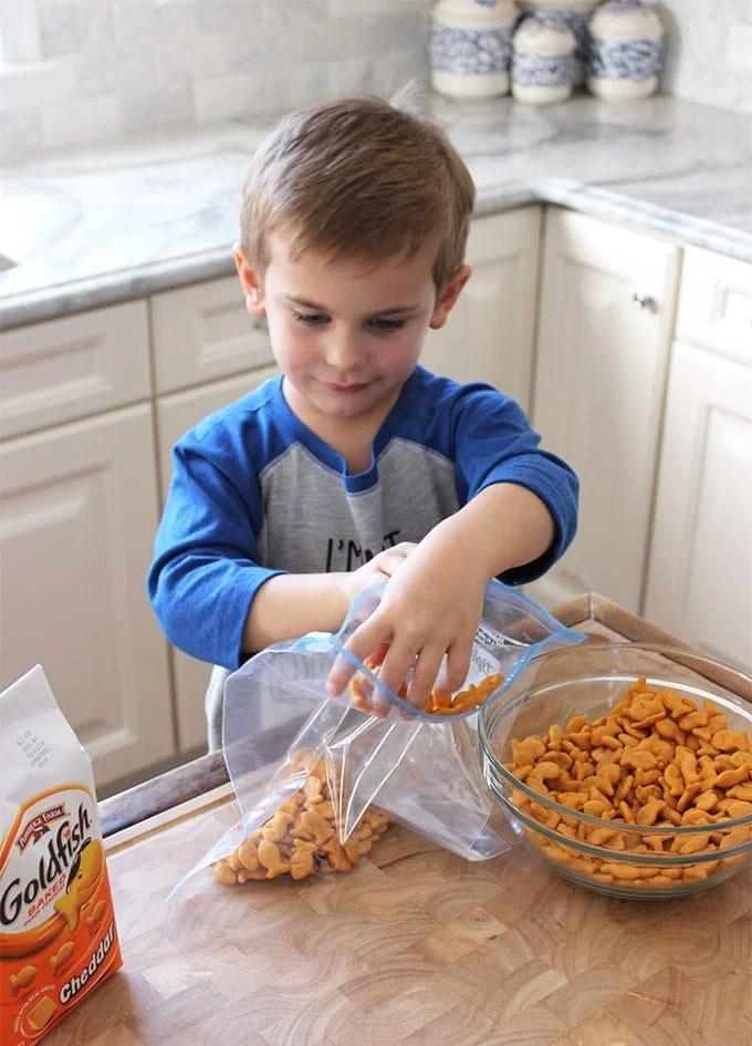 Crispy Baked Goldfish Fish Sticks | TheSuburbanSoapbox.com #GoldfishMix