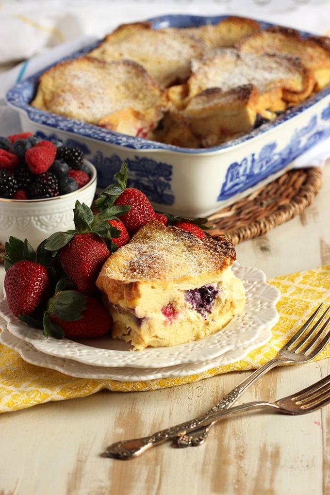 https://thesuburbansoapbox.com/wp-content/uploads/2016/03/Berry-Stuffed-Baked-French-Toast-6-.jpg