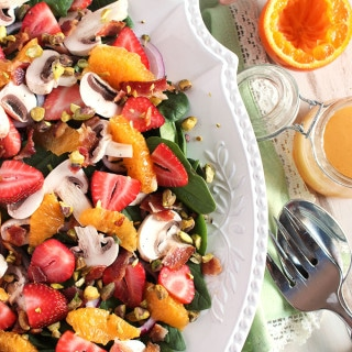 Citrus Spinach Salad with Strawberries and Bacon Vinaigrette | TheSuburbanSoapbox.com #onthetable