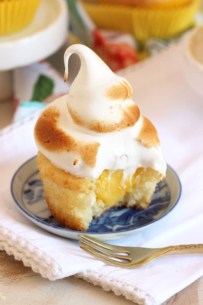 Easy Lemon Meringue Cupcakes | TheSuburbanSoapbox.com