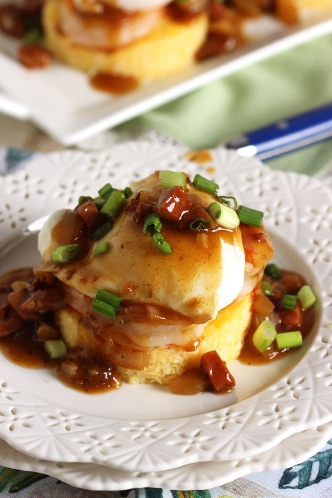 Shrimp and Grits Eggs Benedict with Spicy Red Eye Gray | TheSuburbanSoapbox.com #brunchweek