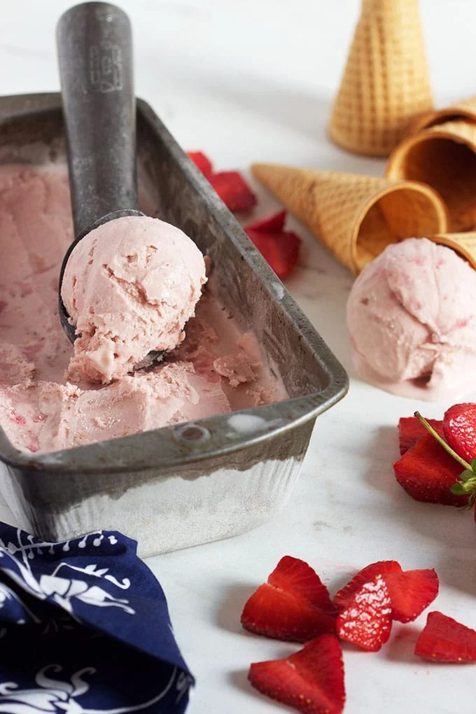 The Very Best Strawberry Ice Cream | TheSuburbanSoapbox.com
