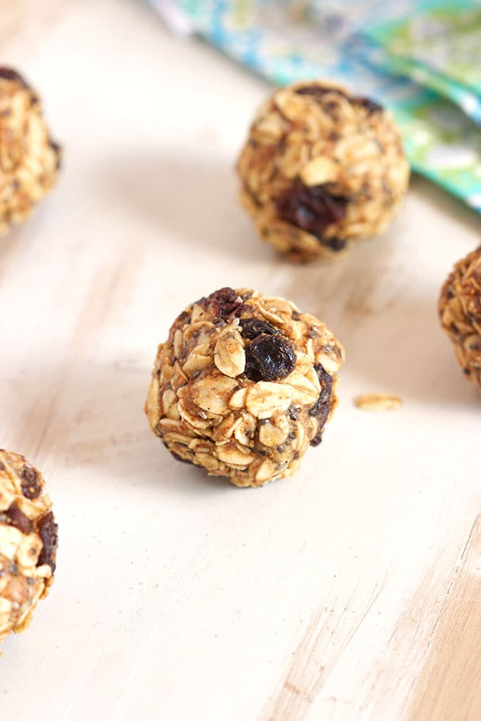 Ready in 10 minutes and perfect for after school snack, Oatmeal Raisin Energy Bites taste just like a cookie. TheSuburbanSoapbox.com