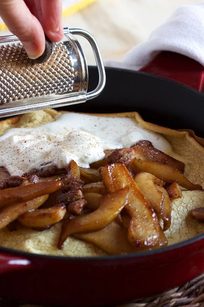 Super easy to make Spiced Pear Dutch Baby is ready in minutes and perfect for breakfast or brunch! | TheSuburbanSoapbox.com