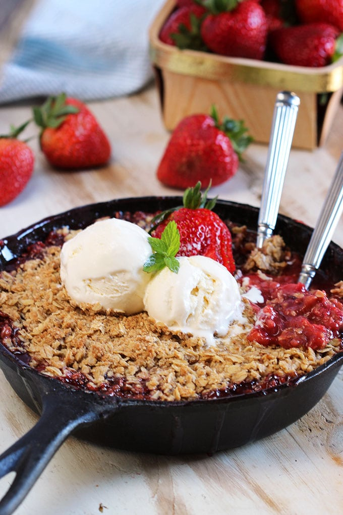 Simple and sweet, the easiest and BEST Strawberry Rhubarb Crisp recipe around. A seasonal classic! | TheSuburbanSoapbox.com