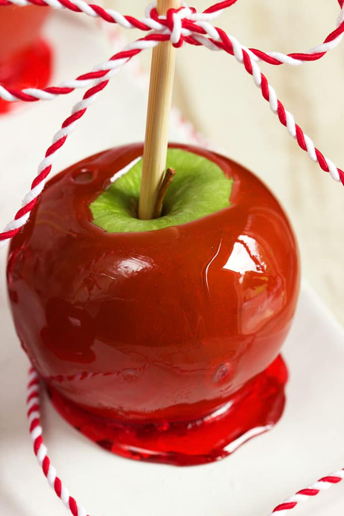 Easy Candy Apple Recipe | TheSuburbanSoapbox.com