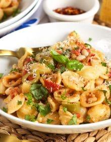 Mediterranean Tuna Pasta Skillet | Thesuburbansoapbox.com