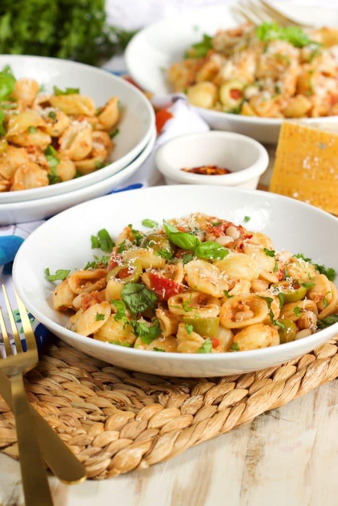 One Pot Mediterranean Tuna Pasta Skillet | TheSuburbanSoapbox.com