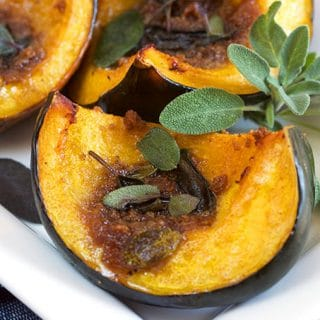 Roasted Amaretto Gingersnap Acorn Squash | TheSuburbanSoapbox.com