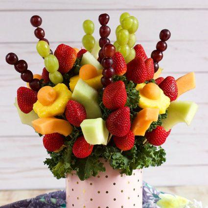 How to Make an Edible Fruit Bouquet | TheSuburbanSoapbox.com