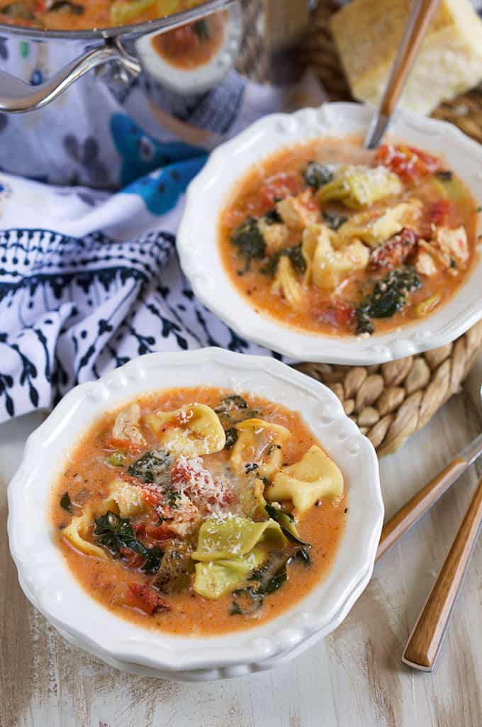 Creamy Tuscan Chicken Tortellini Soup Recipe | TheSuburbanSoapbox.com
