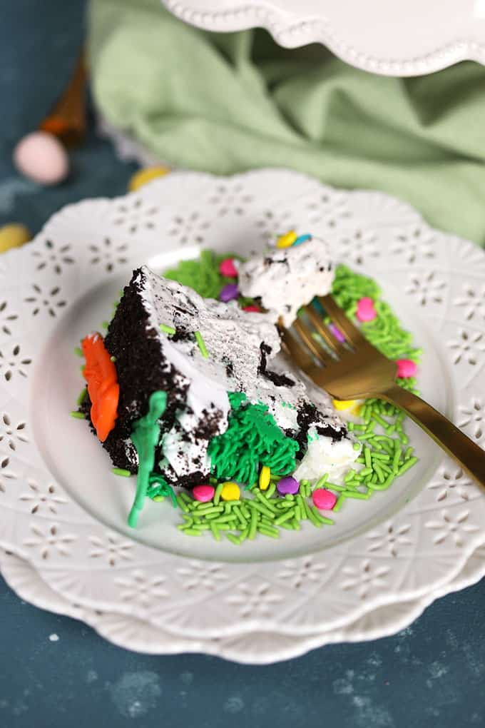 Easter Bunny Oreo Ice Cream Cake | TheSuburbanSoapbox.com