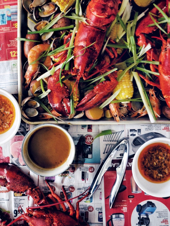viet-cajun seafood boil elements