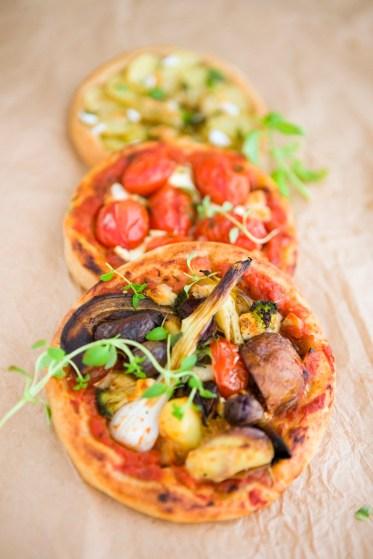 vegetarian mini pizzas via green kitchen stories