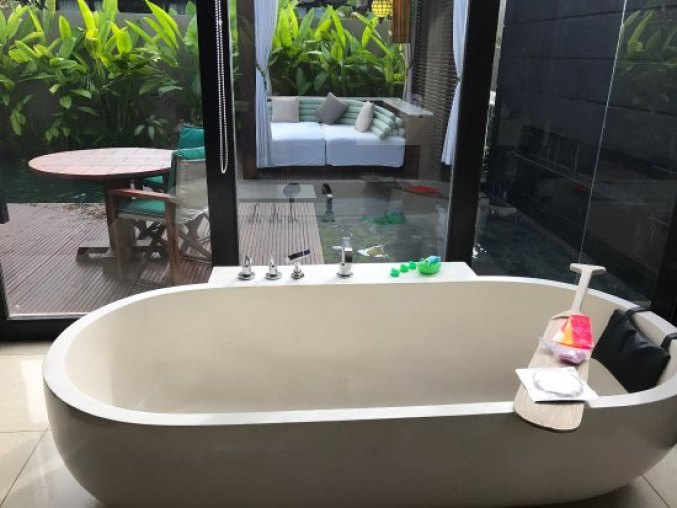 w-hotel-bali-pool-villa