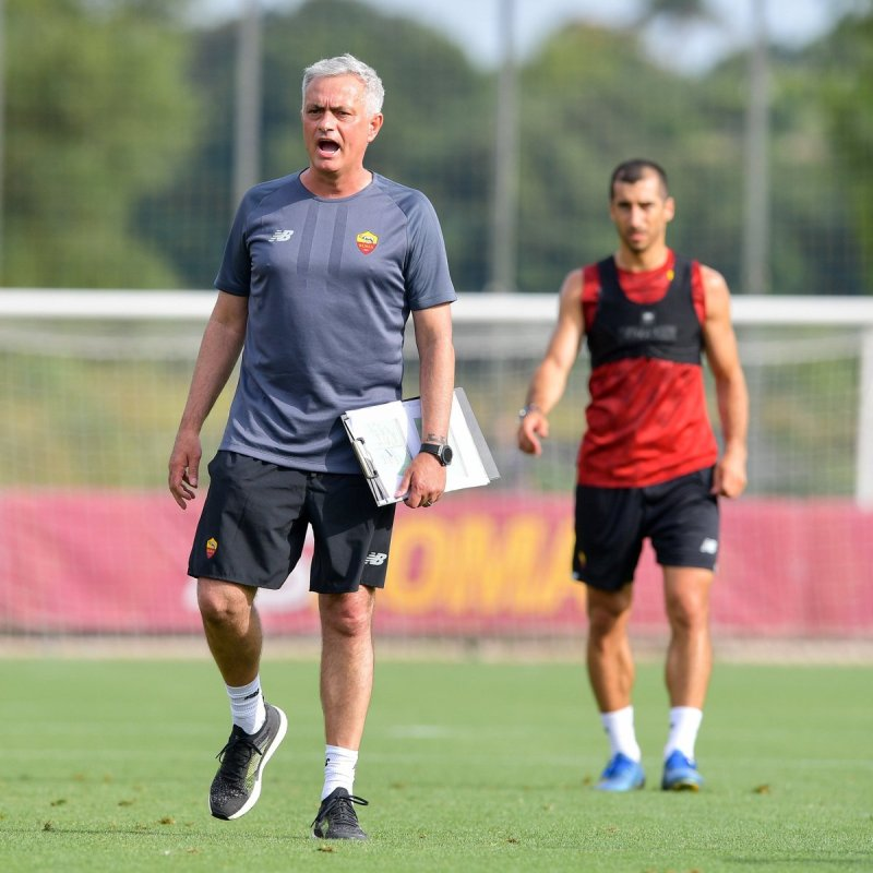Jose Mourinho di latihan Roma