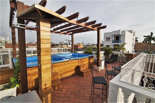 Life-is-Good-Cartegena-rooftop-hot-tubs